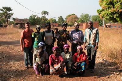 Avec les femmes du village de Toussiana