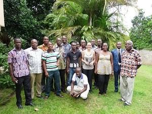 Photo souvenir de cette journée en présence de botanistes, professeurs, enseignants-chercheurs et étudiants des Universités Felix Houphouet Boigny et Nangui Abrogoua.