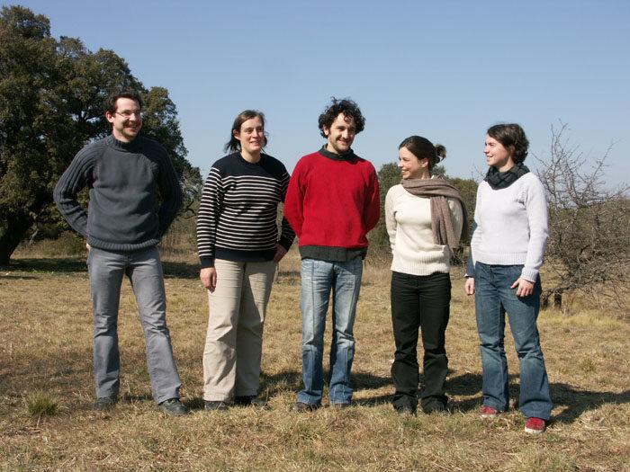 Equipe de 2005 de Tela Botanica de gauche à droite, Jean-Pascal, Tamara, Alexandre, Mathilde, Magali.