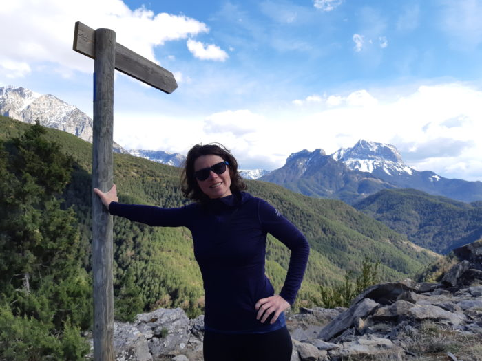 magali dans les montagnes