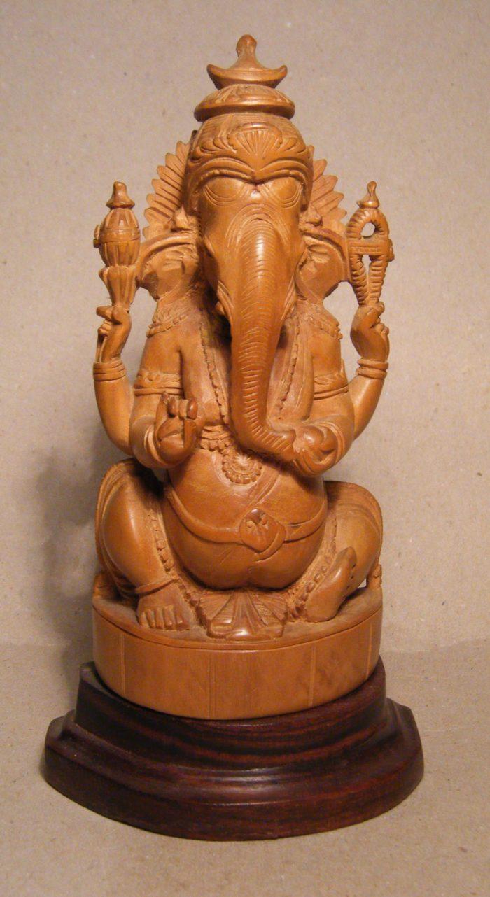 Ganesh_in_legno_di_sandalo