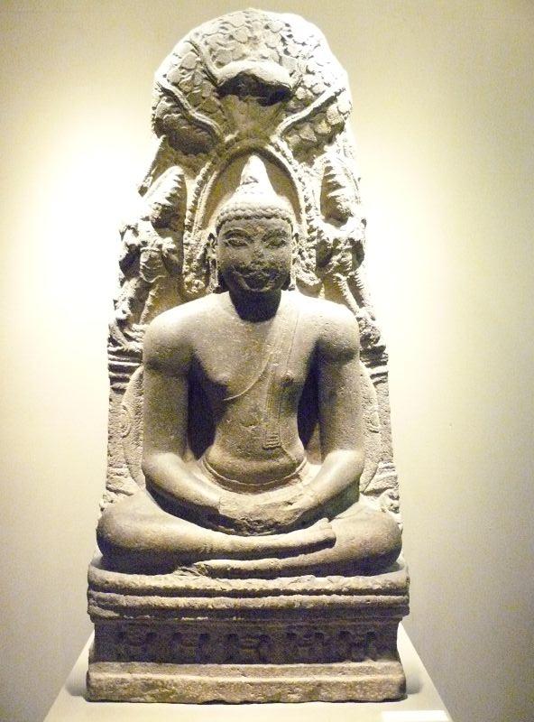 Buddha_Meditating_Under_the_Bodhi_Tree,_800_C.E